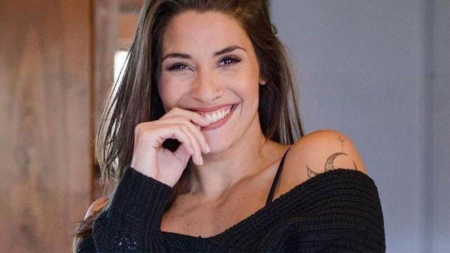 Ivana Nadal: 30 tuổi và hiện làm việc cho chương trình Tiempo Extra trên kênh TyCSports (Argentina). Cô không chỉ là 1 siêu mẫu nổi tiếng ở Argentina, mà còn được đánh giá là một trong những nữ phóng viên thể thao hot nhất thế giới.Ngoài thời gian dành cho sàn catwalk, Ivana cũng hay theo dõi bóng đá và thần tượng của cô là siêu sao đồng hương Leo Messi của Barca