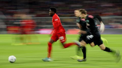 Dù có cú nước rút lên đến 36,51 km/h, Alphonso Davies mới chỉ là Vua tốc độ ở Bundesliga