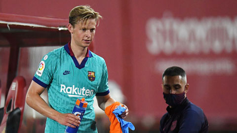 Mất De Jong, Barca dính nỗi đau kép