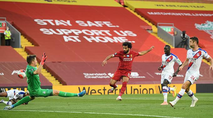 Salah nhân đôi cách biệt ở những phút cuối hiệp 1