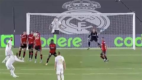 Bàn thắng quá đẹp của Ramos