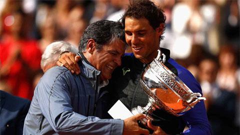 Đây là lý do tại sao không bao giờ thấy Nadal ném vợt