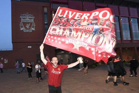 Liverpool: 30 năm chờ đợi và nhà vô địch tuyệt đối