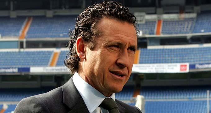 Jorge Valdano - Valdano đã kinh qua đủ mọi vị trí có thể trong ngành công nghiệp bóng đá, từ cầu thủ, HLV, giám đốc đến BLV. Và cũng giống như Del Bosque, mọi thành công mà Valdano giành được ở La Liga đều cùng với Real. Thời quần đùi áo số, Valdano có 2 lần cùng Real lên đỉnh trong thập kỷ 80 của thể kỷ trước. Đến năm 1995 khi trở thành HLV của đội bóng cũ, thành công lại tiếp tục đến với Valdano ở La Liga. Ngoài ra, chính Valdano là người có công giúp cho huyền thoại Raul Gonzalez có trận ra mắt đội một Real vào năm 1994.