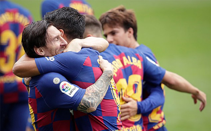 Thấy gì từ trận Celta Vigo 2-2 Barca?