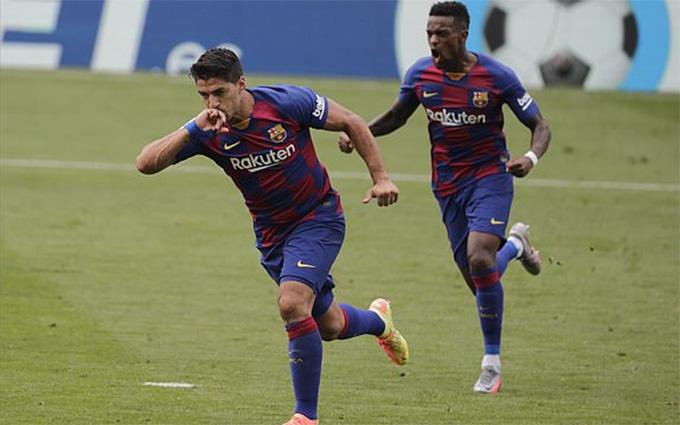 Suarez ghi cả 2 bàn cho Barca