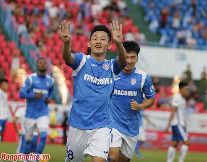 Hai Long có bàn thắng đầu tiên ở V.League - Ảnh: Phan Tùng