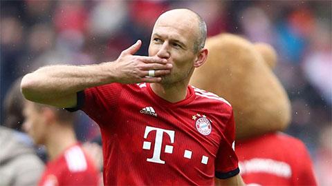 Robben hủy bỏ giải nghệ, tái xuất trong màu áo Groningen ở tuổi 36