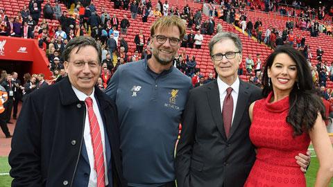 Bộ máy lãnh đạo làm nên thành công cho Liverpool, chủ tịch Werner, HLV Klopp và ông chủ W. Henry (từ trái qua)
