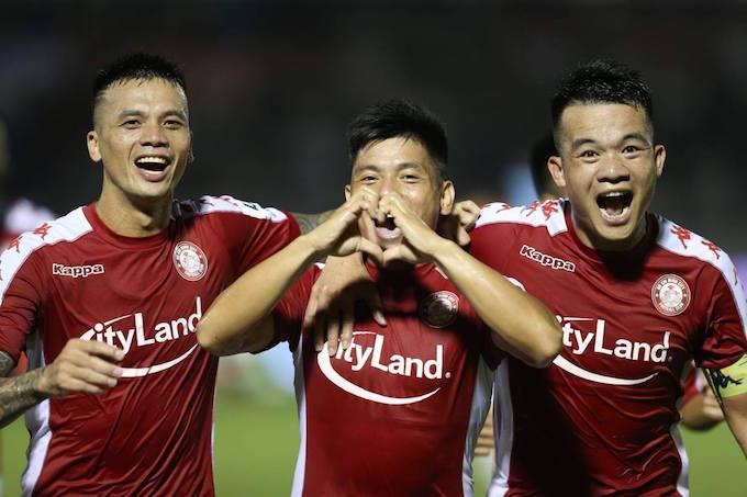 Niềm vui của Thanh Bình và đồng đội khi cân bằng 1-1 cho chủ nhà TP.HCM. Ảnh: Quốc An
