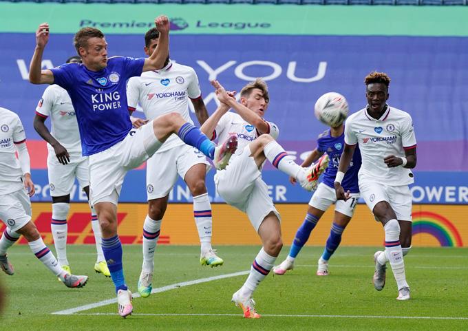 Vardy và các đồng đội đã không thể tận dụng sự lơi lỏng trong hiệp 1 của Chelsea để ghi bàn
