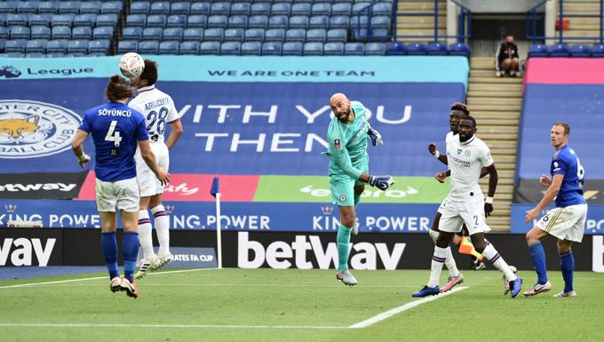 Hàng thủ Chelsea vẫn cho thấy quá nhiều lỗ hổng