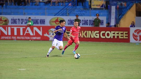 Hà Nội FC đang gặp khó khăn trước Sài Gòn FC. Ảnh: Đức Cường