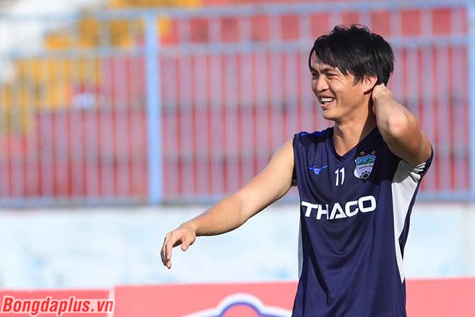 Theo HLV Lee Tae Hoon, Tuấn Anh đã thi đấu liên tục 5/6 trận trước đó nên cần nghỉ ngơi ở trận đấu này