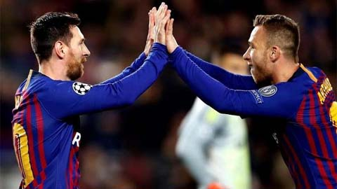 Arthur sẽ là người Brazil đầu tiên sát cánh với cả Ronaldo và Messi