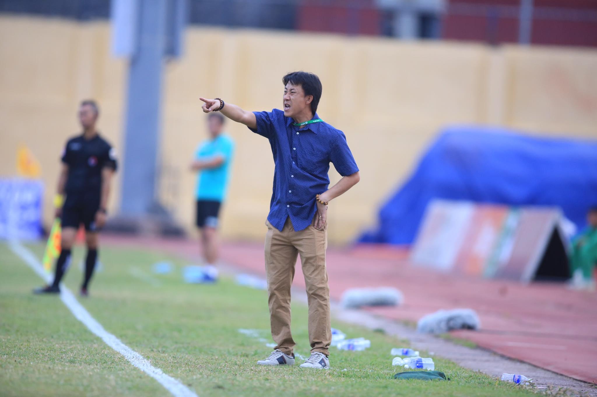 HLV Thành Công giúp Thanh Hoá hồi sinh ở V.League 2020 - Ảnh: Minh Tuấn