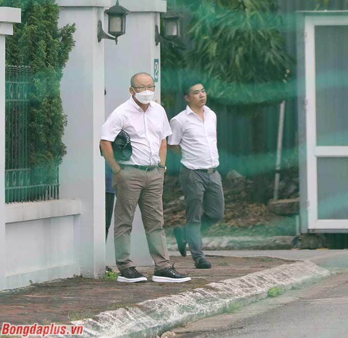 HLV Park Hang Seo do bận việc riêng nên không tham gia huấn luyện U22 Việt Nam trong ngày đầu tiên