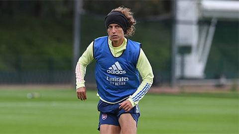 Nguyên nhân sâu xa Arsenal phải cắn răng gia hạn với David Luiz