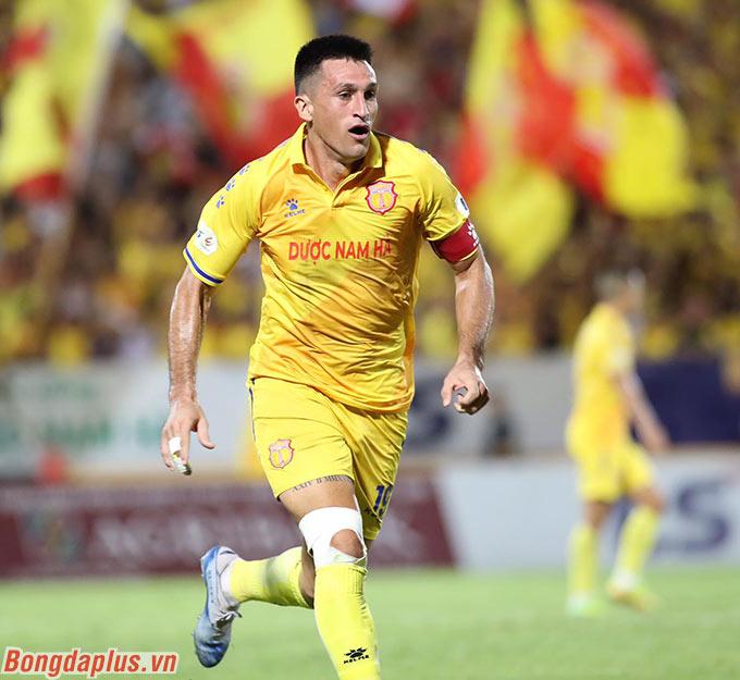 Sau 7 trận, Đỗ Merlo ghi 4 bàn cho DNH Nam Định