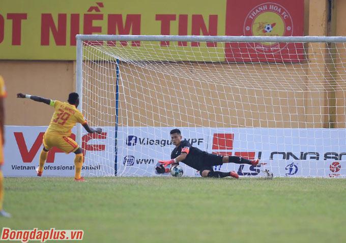 Hoàng Vũ Samson, chân sút số 1 trong lịch sử V.League tiếp tục là niềm hy vọng của Thanh Hóa ở mùa giải năm nay