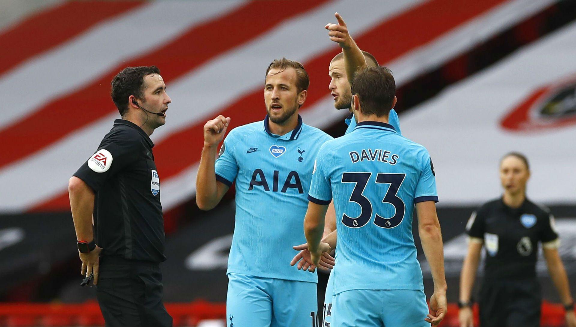 Tottenham đã bị tước oan một bàn thắng