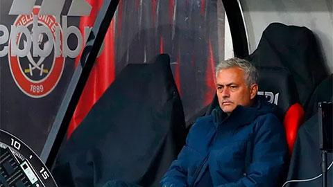 Tottenham giờ phải ''sống chung với con lũ'' Mourinho