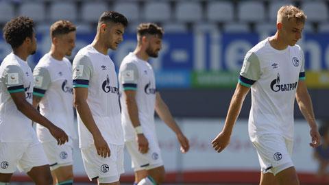Schalke áp mức lương trần cho cầu thủ