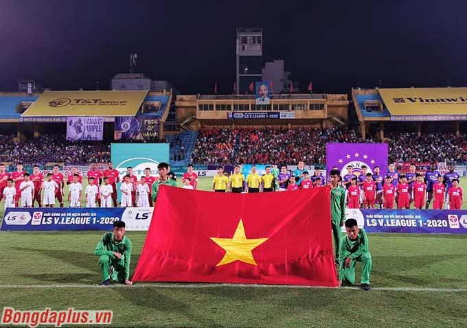 Trận đấu giữa Viettel và Hà Nội FC ở vòng 8 V.League thu hút sự chú ý đông đảo của người hâm mộ Hà thành