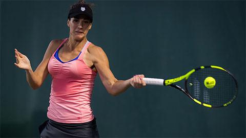 Thân hình nóng bỏng của Bernarda Pera trên sân tennis khiến fan mê mẩn