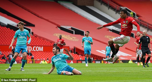 Với cú đúp tuyệt vời, Greenwood đã làm lu mờ các ngôi sao khác của Man United