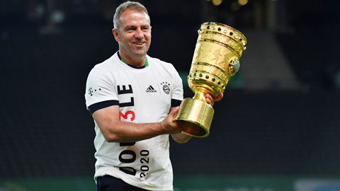 """Bayern tiến gần cú """"ăn ba"""" vĩ đại"""