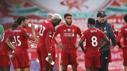 Lộ dấu hiệu Liverpool ngủ quên trên vinh quang