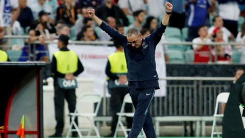 Thầy trò HLV Sarri sẽ bỏ túi 3 điểm trên sân của Milan