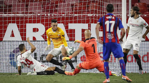 Sevilla xây chắc vị trí thứ 4, Sociedad xa dần giấc mơ châu Âu
