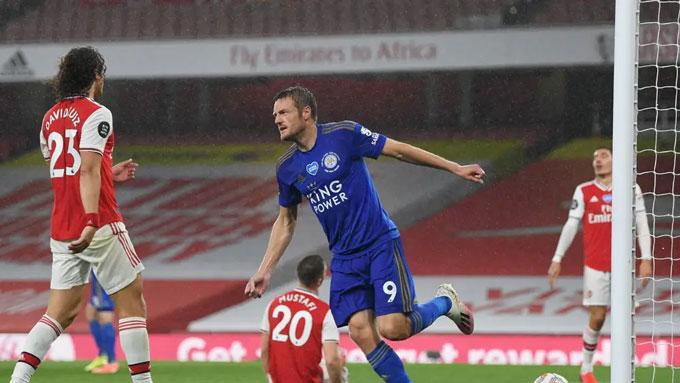 Leicester sẽ là đối thủ chính của M.U