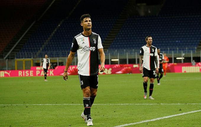Ronaldo ghi bàn nhưng không thể giúp Juve chiến thắng