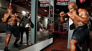 Mike Tyson giảm tới 37 kg cho ngày trở lại