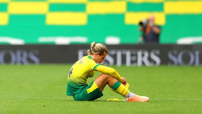 Norwich đã chạm 1 tay vào tấm vé... xuống hạng