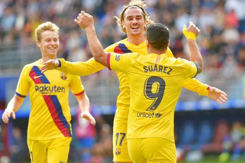 Barca sẽ thắng đậm trên sân của Valladolid để níu kéo hy vọng đuổi kịp Real
