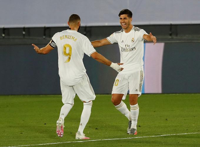 Benzema và Asensio phối hợp lập công