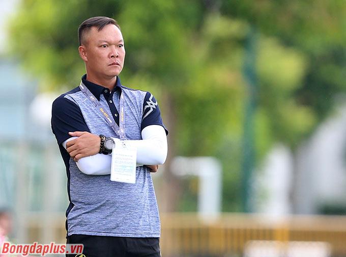 HLV Dương Hồng Sơn áp dụng cách đá gegen-pressing của Liverpool cho Phú Thọ