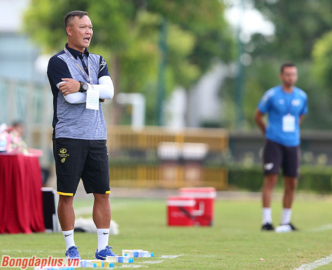 Đây là trận đấu đầu tiên mà thầy trò HLV Dương Hồng Sơn thi đấu tại giải hạng Nhì. Thực tế Phú Thọ mới từ hạng Ba lên chơi ở hạng Nhì năm nay