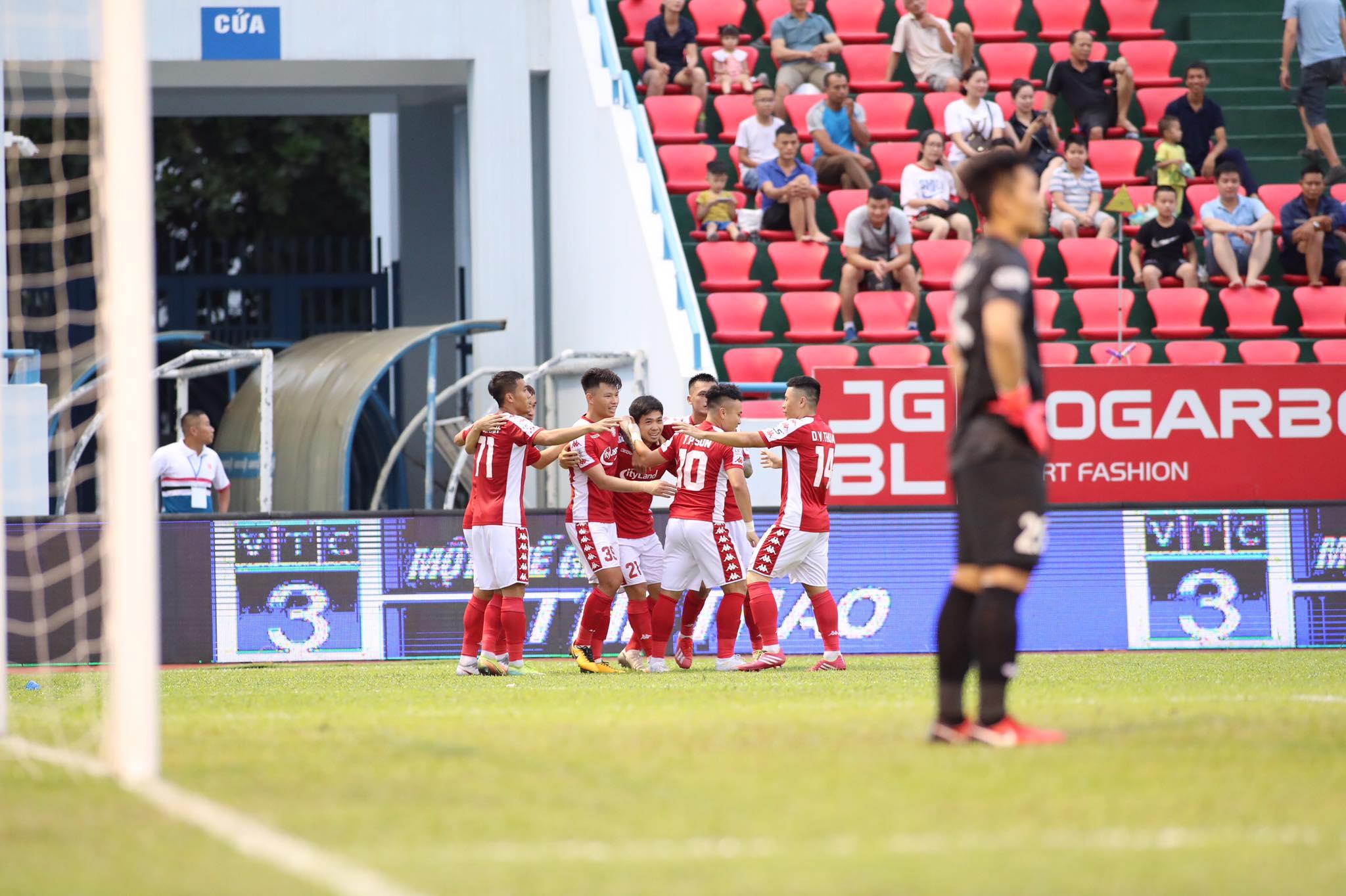 Công Phượng sớm có bàn thắng mở tỷ số cho đội khách - Ảnh: Phan Tùng