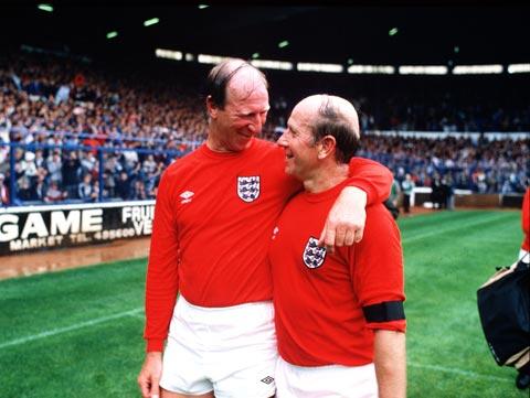 Jack cùng người em trai Bobby từng vô địch World Cup 1966 với ĐT Anh