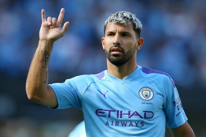 Man City muốn gia hạn hợp đồng với Aguero