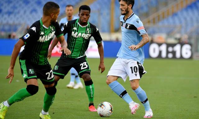 Lazio tự bắn vào chân trong cuộc đua vô địch với 3 trận thua liên tiếp