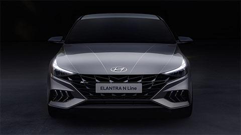 """Mazda 3 vừa ra bản Turbo 2021 đẹp mê ly, Hyundai Elantra có ngay N-Line đáp trả """"cực ngầu"""""""