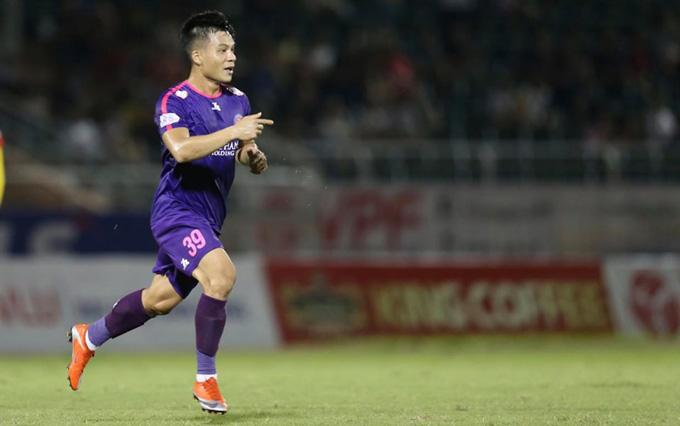 Huỳnh Tấn Tài có một pha ghi bàn tuyệt đẹp nâng tỷ số lên 2-0. Ảnh: Quốc An