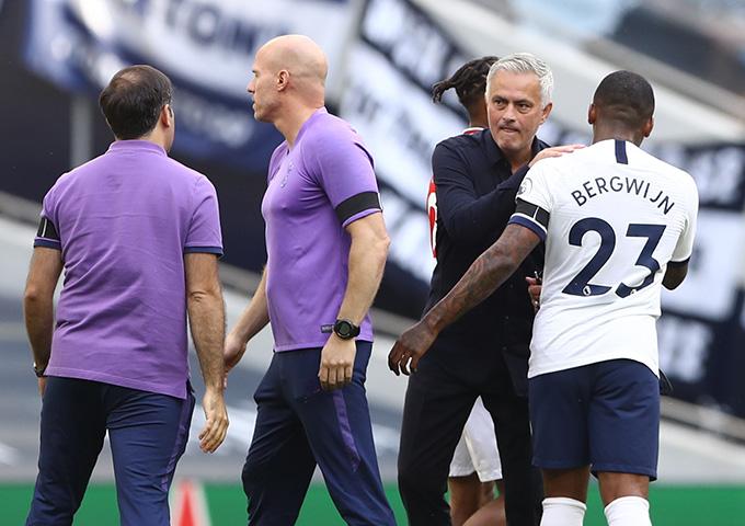 """Mourinho sẵn sàng """"chết"""" vì triết lý của mình miễn sao đưa đội bóng đến thành công"""