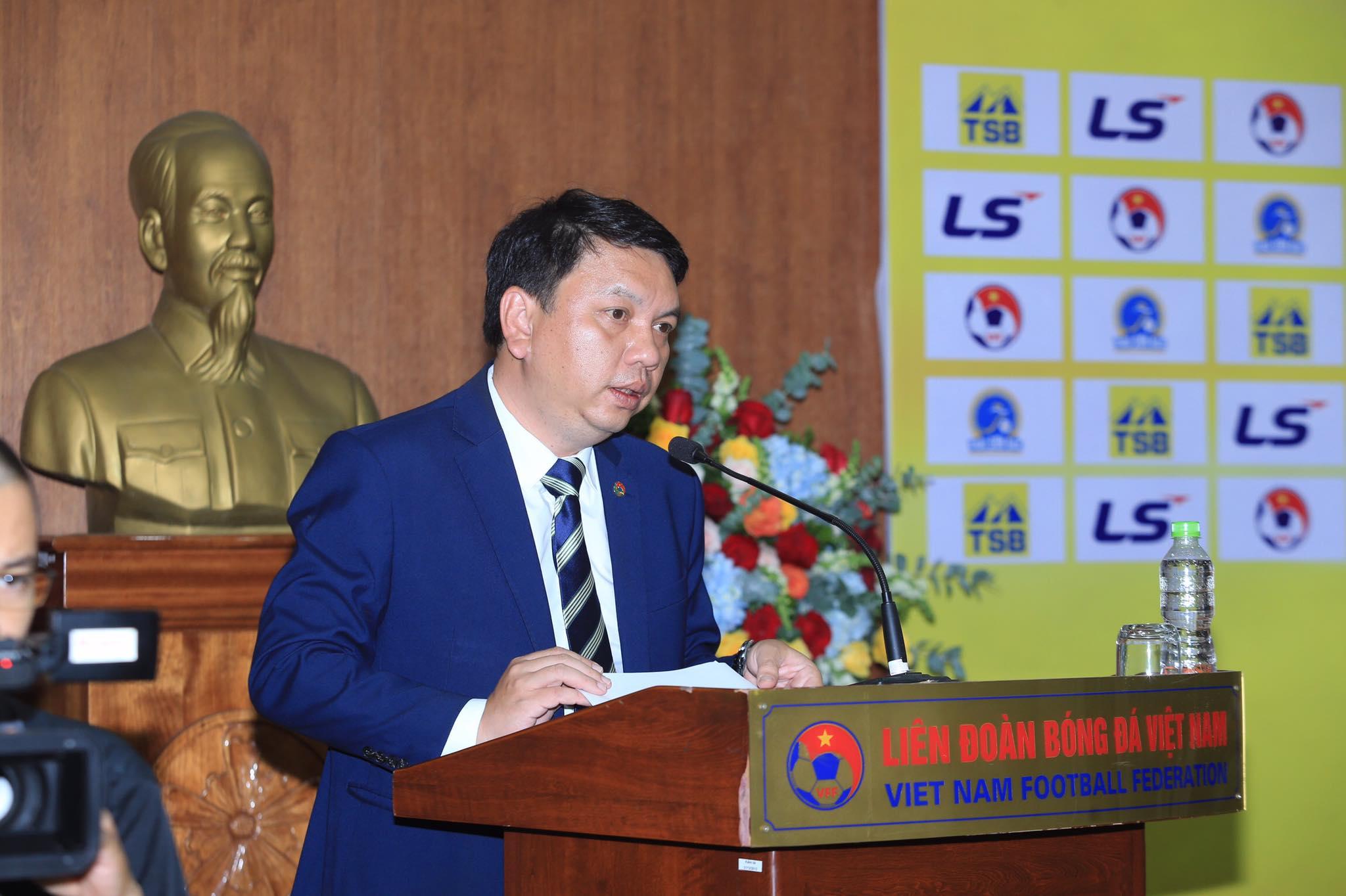 Tổng thư ký VFF Lê Hoài Anh phát biểu trong buổi lễ ra mắt nhà tài trợ giải bóng đá nữ VĐQG 2020 - Ảnh: Đức Cường
